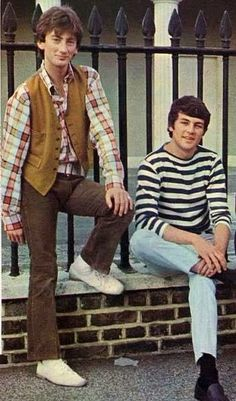Roger Glover & Ian Gillan Pre PURPLE lookin' MOD in their EPISODE SIX days.