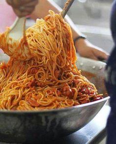 Spaghettata a tarda serata Spaghetti late in the evening