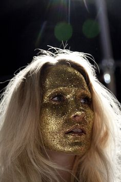 Photographer Amanda Hestehave - Backstage Stine Goya SS13 - Hanni Gohr