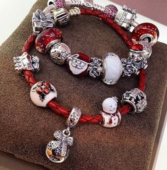 Personalized Photo Charms Compatible with Pandora Bracelets. The Pandora Winter 2014 collection is released! Bracelet Pandora Charms, Pandora Beads, Pandora Rings, Pandora Jewelry, Charm Jewelry, Pandora Pandora, Mora Pandora, Bracelets Design, Pandora Collection