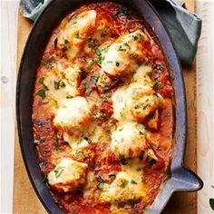 Kip met tomatensaus uit de oven