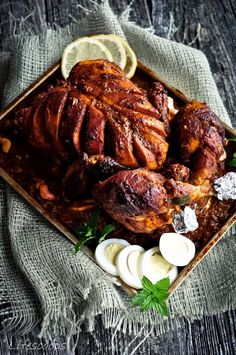 Life Scoops: Stuffed Chicken Roast in Spiced Gravy / Malabar Style Kozhi Nirachathu Tandoori Recipes, Roast Chicken Recipes, Turkey Recipes, Kerala Chicken Recipes, Kerala Recipes, Grilled Whole Chicken, Stuffed Whole Chicken, Pollo Tandoori, Tandoori Chicken