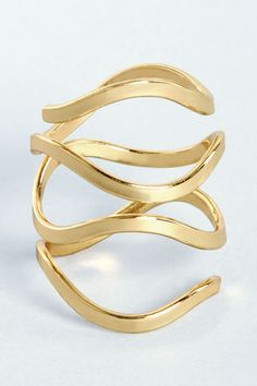 Catch a Wave Gold Ring at Lulus.com