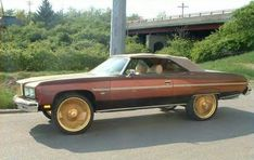 Triple Gold Dayton Wire Wheels of shopping for 26 inch rims for sale Dayton Rims, Rolls Royce Black, Rims For Sale, Vintage Rolls Royce, Donk Cars, Chevy Impala Ss, 50s Cars, Old School Cars, Custom Trucks