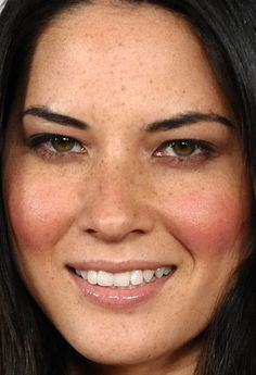 Olivia Munn at the 2010 E! Oscars viewing party. http://beautyeditor.ca/2015/07/09/blush-mistakes