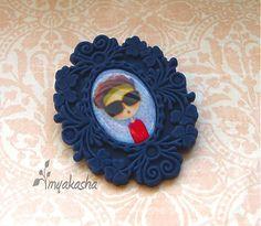 myakasha / Tmavo-modrý odznak - Zuzka