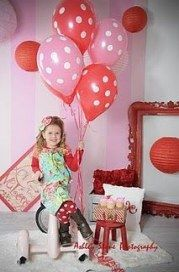 19 ideas for children photography props diy valentines day Valentine Mini Session, Valentines Day Photos, Valentines Day Background, Valentines Diy, Photography Props Kids, Cute Photography, Tattoos For Kids, Valentine's Day Diy, Valentine Decorations