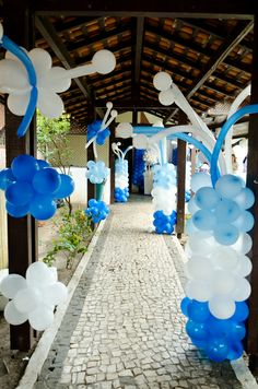 Balloon Decorations #balloons #partydecorations