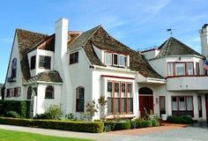 Coronado Beautiful corner residence, ocean views, 100 yards  to beach & village shops