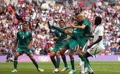 JO - Le Mexique écarte le Sénégal.  Le Mexique s'est qualifié ce samedi pour les demi-finales des Jeux Olympiques. En quarts, l'équipe aztèque a dominé difficilement le Sénégal (4-2 a.p.).