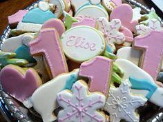 cute winter themed bday cookies, since KK was born in Feb. :)