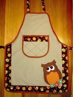 Whoooo likes this one? Sewing Hacks, Sewing Crafts, Sewing Projects, Childrens Aprons, Cute Aprons, Sewing Aprons, Kids Apron, Kitchen Aprons, Aprons Vintage