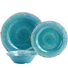 Cruise through dinner with plates as blue as the Mediterranean Sea. Crafted in the style of hand-thrown Italian stoneware, our Carmelo Collection is deceptively lightweight. In fact, it's made from melamine, so it's easy to handle and care for. It's sure to anchor outdoor parties, as well as indoor fetes and everyday meals.
