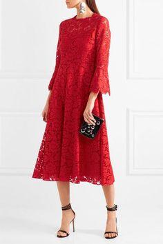 Valentino - Corded Stretch-silk Guipure Lace Dress - Red - IT Boho Fashion, Fashion Dresses, Fashion Design, Dress Skirt, Lace Dress, Dress Red, Mothers Day Dresses, White Lace Cocktail Dress, Cocktail Dresses