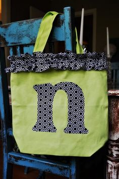 {how to} dress up a plain tote bag @Anna Totten Totten Verhalen