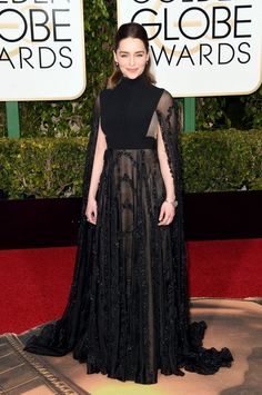 Emilia Clarke at the Golden Globes 2016 red carpet in Valentino Couture dress Valentino Couture, Valentino Gowns, Haute Couture Gowns, Golden Globes 2016, Golden Globe Award, Emilia Clarke, Glamour, Modest Dresses, Nice Dresses
