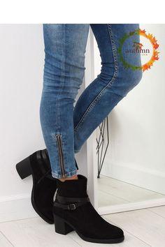 17475123599 Fashion e-Shop/Μποτάκια σουέτ με λουράκι - Μαύρο - 040-INELLO438 Skinny