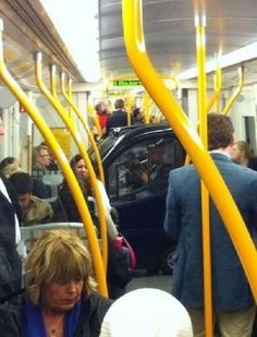 Réel ou irréel ?  En voiture dans le metro !!!  http://barresderire.Fr