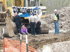 dscf1367.jpg (3648×2736)  Nancy Zorn of Oklahoma locks herself to bulldozer to prevent Keystone XL pipeline  April 2013