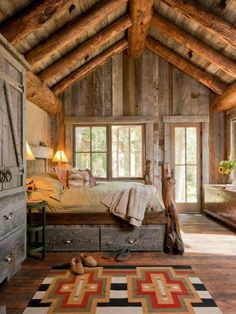 Gorgeous country cabin bedroom. I can so picture this as my bedroom in the mountains. <3