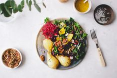 This roasted pear salad by Belén Vazquez Amaro is a gem from the archive and it tastes just as good as it looks. Photo by by fvonf Roasted Pear, Power Salad, Vegan Roast, Salad Bowls, Food Inspiration, Vegan Recipes, Vegan Food, Food And Drink, Favorite Recipes