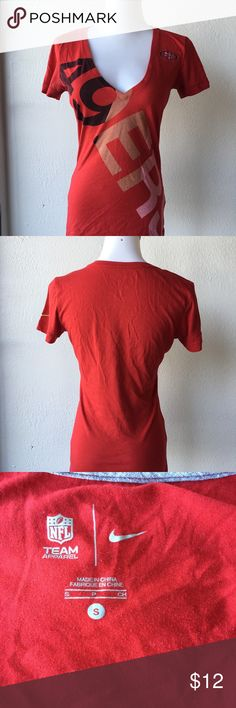 Nike Women's 49ers V Neck Team Apparel Tee Sz S 🏈 Gold blooded, Niner's fans! Here's a Authentic Nike Team Apparel Graphic Tee. Fitted and features v-neckline for an athletic, yet feminine look. Gently worn. Lots of life left! Stored and shipped from smoke and pet free home. 🏈 Nike Tops Tees - Short Sleeve