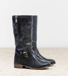 Black Leather Buckle Boots.