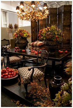 Decorex CT 2011 - Adriaan Lochner - The Design Tabloid Fall Home Decor, Autumn Home, Holiday Decor, Thanksgiving Decorations, Table Decorations, Centerpieces, Thanksgiving Ideas, Autumn Table, Tuscan House