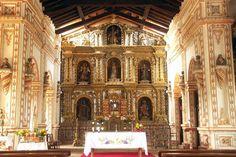 Interior de Templo Misional de San Miguel. Santa Cruz, Bolivia.