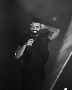 You look like you bout to do bad things Only Drake, Drake Rapper, Drake Scorpion, Drake Wallpapers, Drake Drizzy, Drake Ovo, Drake Graham, Aubrey Drake, Rap God