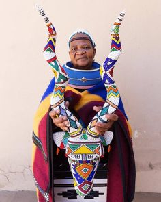 The Mpumalanga Traditional Art Market is coming to Joburg. Before the event, I traveled to Mpumalanga to meet the Ndebele artists coming to the market. Africa Art, Out Of Africa, West Africa, Adinkra Symbols, African Tribes, African Textiles, Black Artwork, Textures Patterns, Geometric Patterns