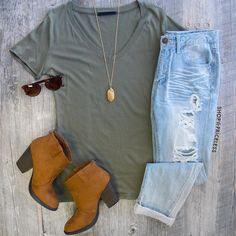 Jenna Basic Top - Olive need these shoes too!