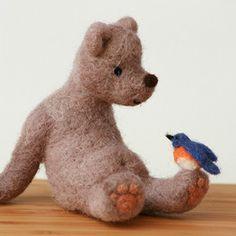 One absolutely gorgeous hand felted bear. I would love this bear with bird! Needle Felted Animals, Felt Animals, Wooly Bully, 3d Figures, Needle Felting Tutorials, My Teddy Bear, Love Bear, Felt Hearts, Wet Felting