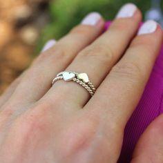Anéis torcidos com coração ❤ Joias em prata 960, também podem ser feitas em ouro 18k rosé e branco. Amamos joias artesanais!