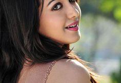 Indian Actress Catherine Tresa Biography, Wiki, Career, Profile, Age, Boyfriend, Movies, Marriage Photos