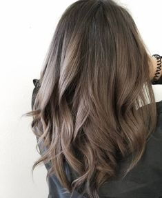Dark ash brown hair, brown hair colors, medium ash brown hair, hair h Brown Hair Balayage, Brown Blonde Hair, Hair Highlights, Dark Hair, Color Highlights, Natural Highlights, Light Brunette Hair, Carmel Highlights, Pinterest Hair