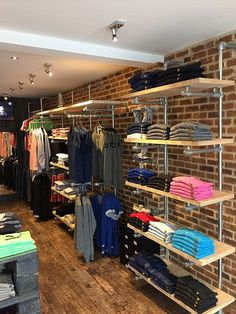 Shelf storage above counter and above clothing clothing store interior, clothing store design, boutique Boutique Design, Design Shop, Home Design, Boutique Decor, Design Design, Design Ideas, Clothing Store Displays, Clothing Store Design, Clothing Racks