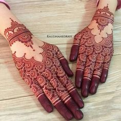 Simple Mehandi Designs That You Must Try On Your Big Day - Nail Art & Mehandi Designs - Henna Designs Hand Mehndi Designs For Girls, Henna Art Designs, Mehndi Designs For Fingers, Stylish Mehndi Designs, Mehndi Design Pictures, Mehndi Images, Hena Designs, Rangoli Designs, Engagement Mehndi Designs