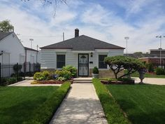 The Jackson's home in Gary Indiana | Description Michael Jackson's birth house in Gary Indiana.jpg