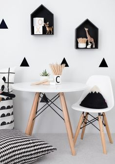 Photo Jobs At Home - Stickers noir blanc Mini chaises EAMES Petite table pour jouer / dessiner - If you want to enjoy the good life: making money in the comfort of your own home with just your camera and laptop, then this is for you! White Kids Room, White Rooms, Boho Deco, Deco Kids, Kid Table, Toddler Table And Chairs, Kids Room Design, White Decor, Black Decor