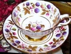 ROYAL-STAFFORD-TEA-CUP-AND-SAUCER-GOLDEN-BRAMBLE-TEACUP-BERRIES
