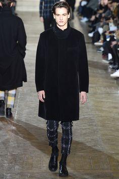 Issey Miyake Fall 2017 Menswear Collection Photos - Vogue