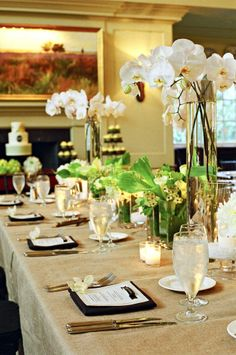 Love the natural feel of this tablescape