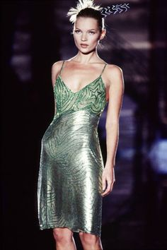 Kate Moss Versace Haute Couture, 1995