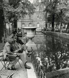 Medici Fountain. Paris. 1948 - Photographer: André Kertész