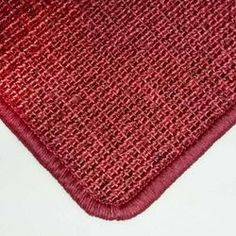 Sisalteppich mit Umkettelung in Rot auf Wunschmaß #sisal #teppich #rot #wohnen Pot Holders, Ground Covering, Red, Homes, Hot Pads, Potholders, Planters