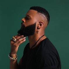 Beard Game The 20 Hottest Guys With Beards Beard Styles For Men, Hair And Beard Styles, Curly Hair Styles, Dreads Styles, Black Men Haircuts, Black Men Hairstyles, Weave Hairstyles, Black Men Beards, Handsome Black Men