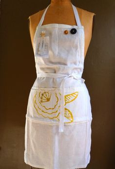 Linen apron - Eco-Friendly and fully handcrafted - celina mancurti