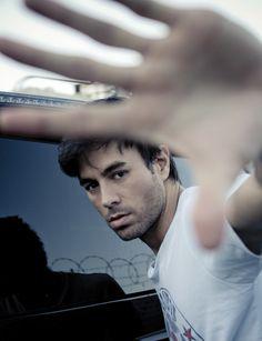 Una divertida entrevista con Enrique Iglesias.