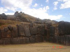 Saqsaywaman e suas rochas perfeitamente encaixadas-Peru